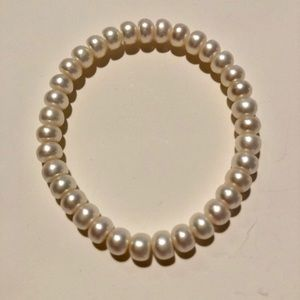 Jewelry - AUTHENTIC PEARL STRETCHY BRACELET STUNNING